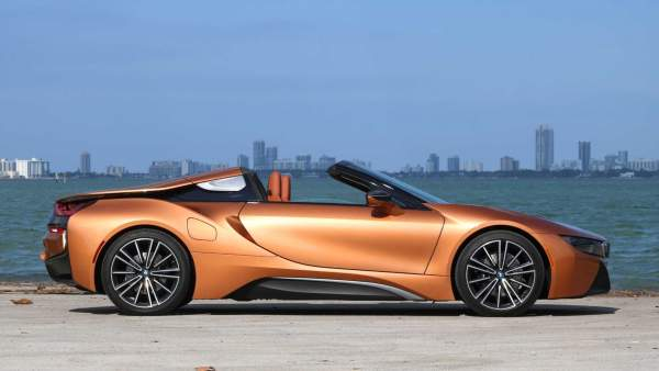 2020-BMW-i8-Roadster-Release-Date