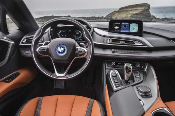 2020-BMW-i9-Interior