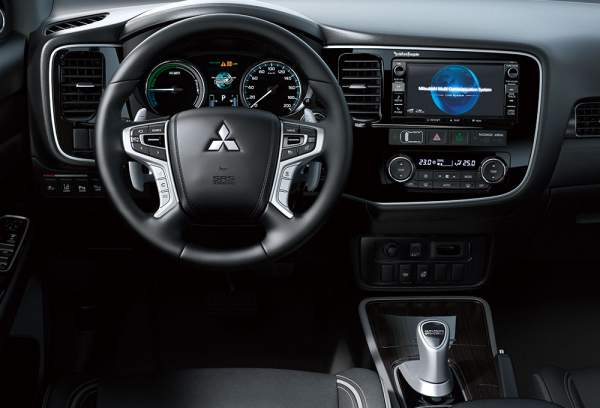 2020-Mitsubishi-Outlander-PHEV-Interior