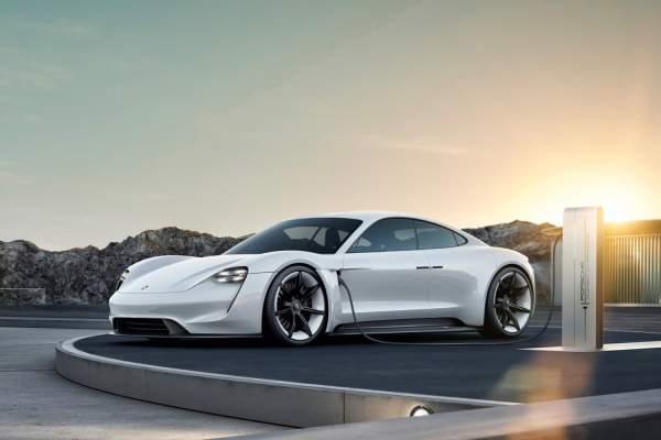 2020-Porsche-Taycan-Exterior