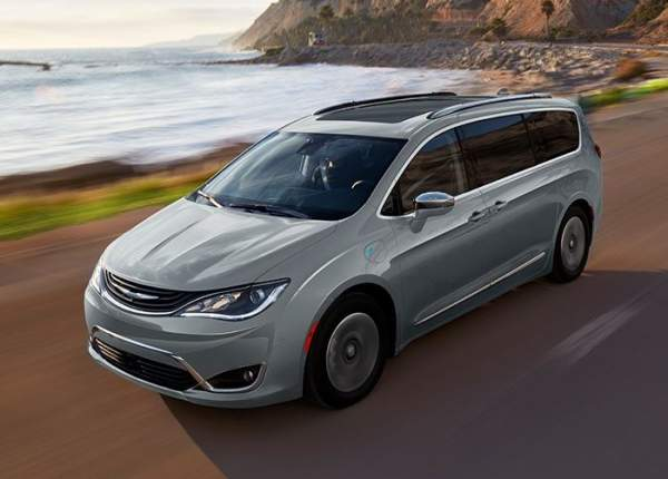2020-Chrysler-Pacifica-Hybrid-Exterior
