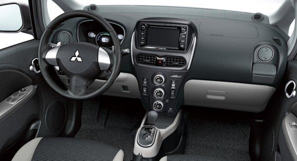 2020-Mitsubishi-i-MiEV-Interior
