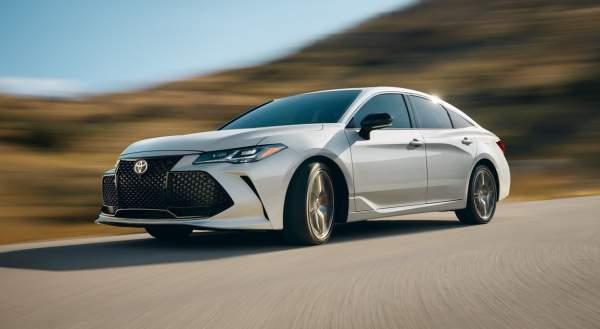 2020-Toyota-Avalon-Hybrid-Limited