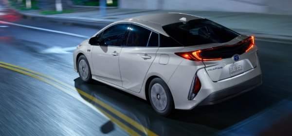 2020-Toyota-Prius-Prime-Design