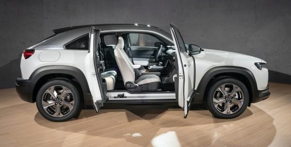 2020-Mazda-MX-300-Design