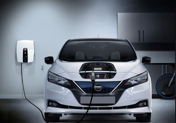 2020-Nissan-Leaf-Electric-Motor-and-Driving-Range