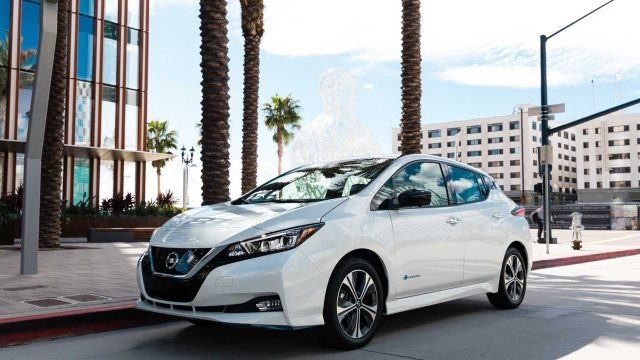 2020 nissan leaf brings new colors and new tech  2021