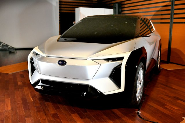 Subaru-Electric-Crossover-The-Design