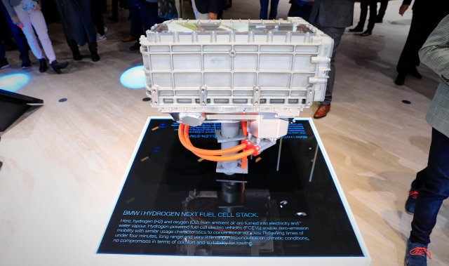 BMW-i-Hydrogen-Next-Fuel-Cell-Stack