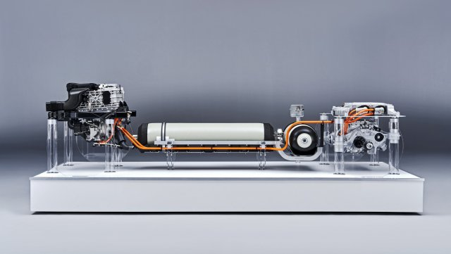Hydrogen-Powered-BMW-X5-Powertrain