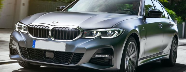 2021 BMW 330e Plug-In Hybrid Is Agile and Stylish - 2021 ...