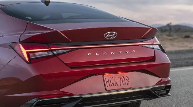 2021-Hyundai-Elantra-Hybrid-Exterior