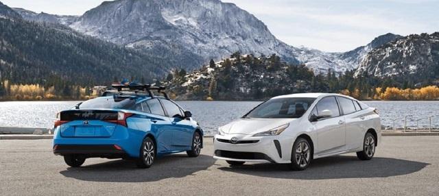 2021 Toyota Prius front