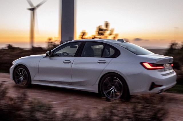2021 BMW 3 Series Hybrid side