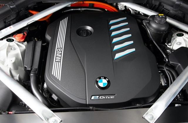 2021 BMW X5 xDrive45e powertrain
