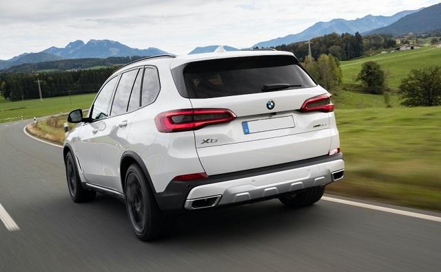 2021 BMW X5 xDrive45e rear