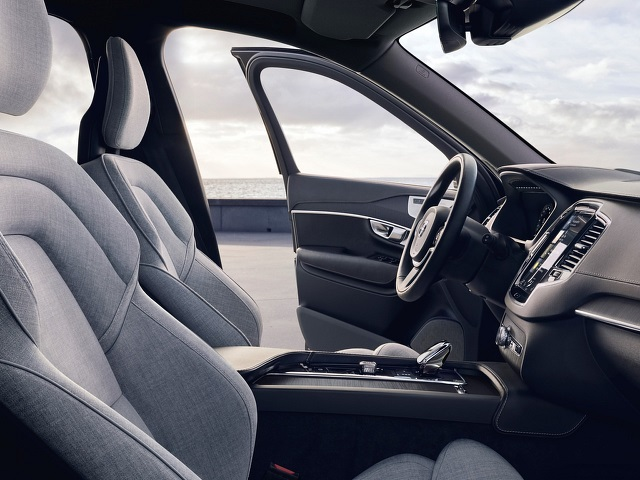 2021 Volvo XC90 T8 cabin