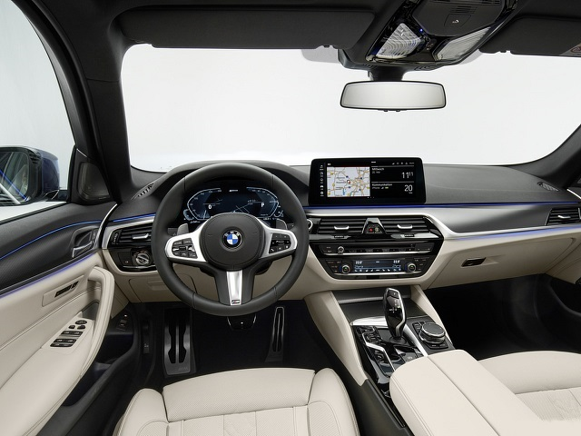2021 BMW 530e Plug-In Hybrid interior