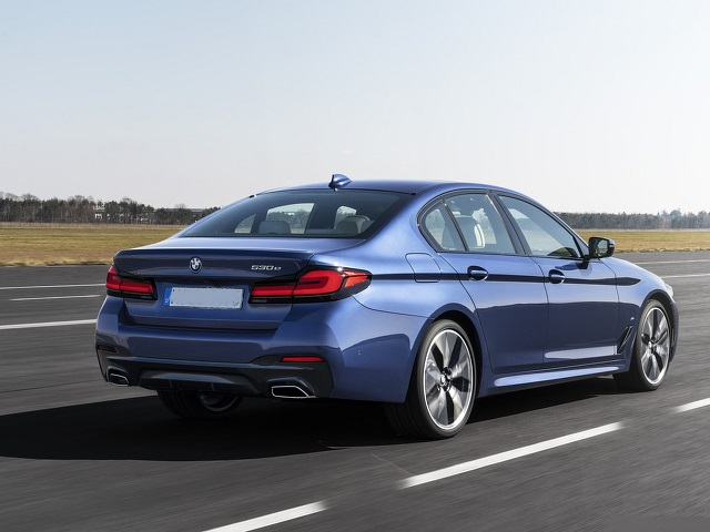 2021 BMW 530e Plug-In Hybrid rear