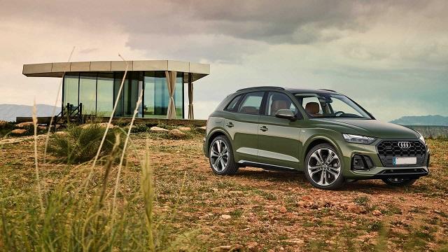 2021 Audi Q5 Hybrid side