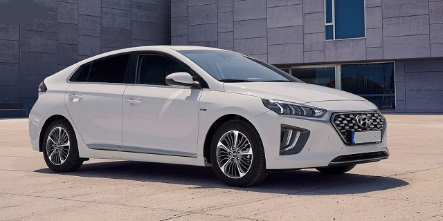 2021 Hyundai Ioniq side