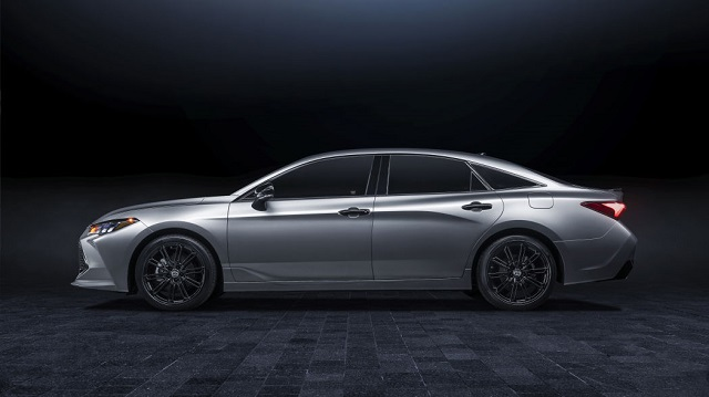 2021 Toyota Avalon Nightshade Edition side