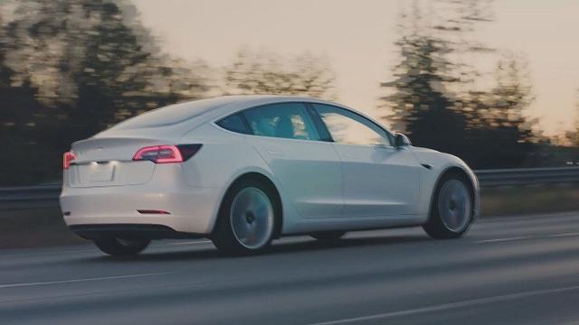 2021 Tesla Model 3 side