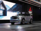 2021 Mitsubishi Outlander PHEV front