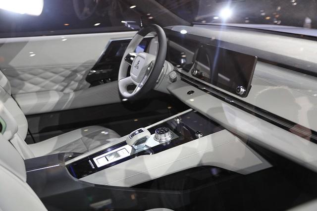 2021 Mitsubishi Outlander PHEV interior