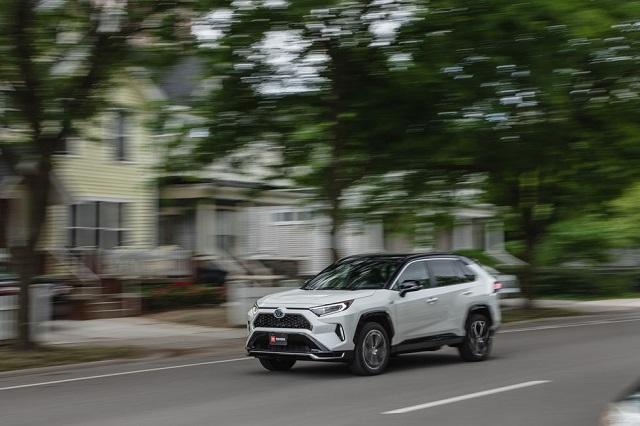 2021 Toyota RAV4 Hybrid side