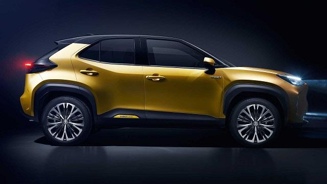 2021 Toyota Yaris Cross side