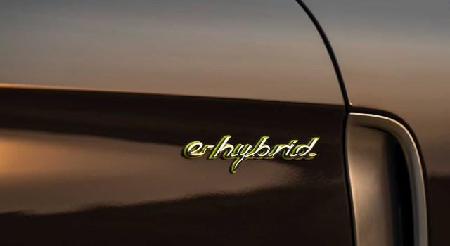 2021 Porsche Panamera 4S E-Hybrid range