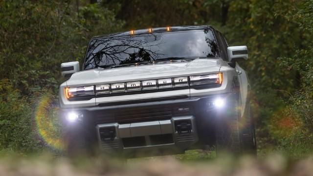 2022 GMC Hummer EV design