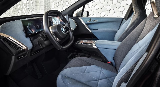 2022 BMW iX interior