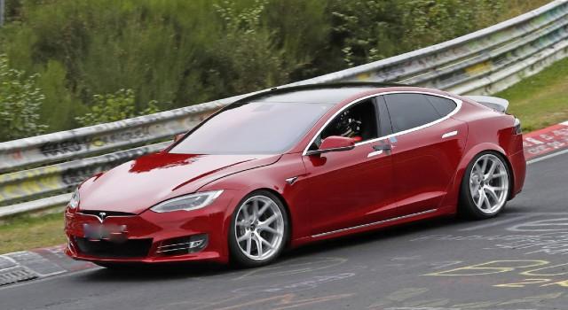 2022 Tesla Model S Plaid