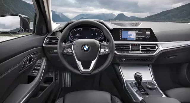 2022 BMW 3-Series EV interior