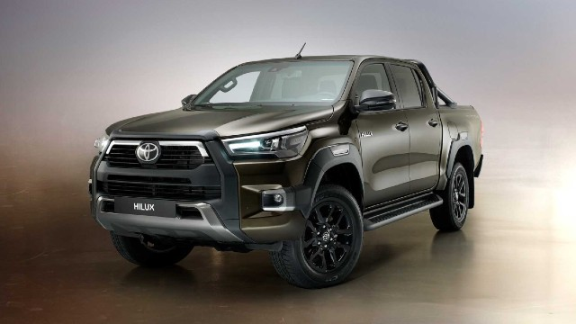 2022 Toyota Hilux Hybrid facelift