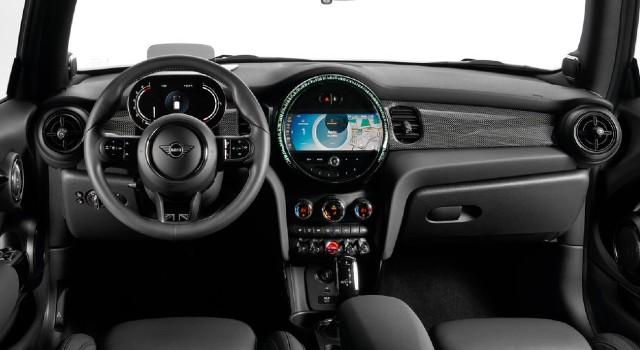 2022 Mini Cooper Electric interior