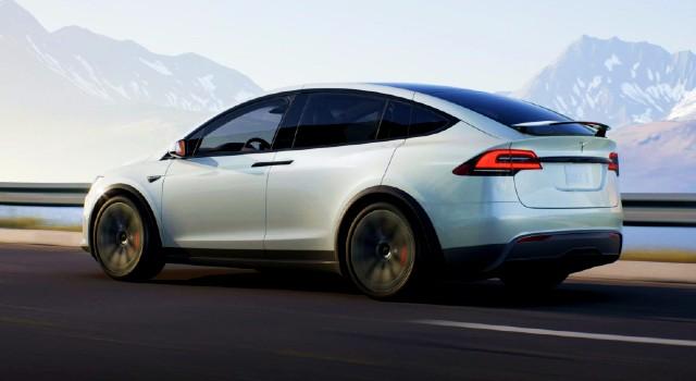 2022 Tesla Model X performance