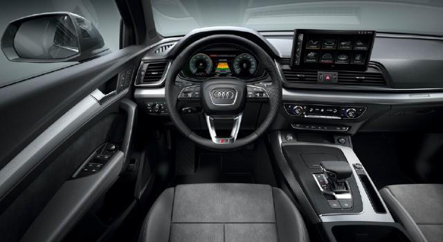 2022 Audi Q5 Plug-In Hybrid interior