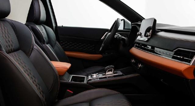 2022 Mitsubishi Outlander PHEV interior