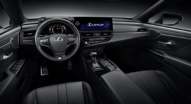 2022 Lexus ES interior