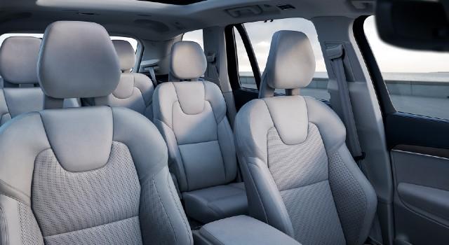 2022 Volvo XC90 Recharge Plug-In Hybrid interior
