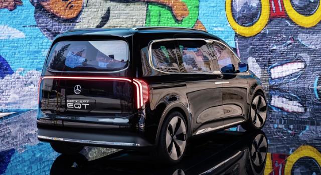 2022 Mercedes-Benz EQT design